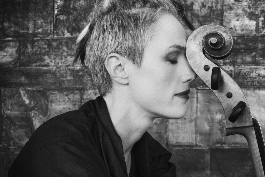 Amerikanische Cellistin Zoë Keating legt Streaming-Einnahmen offen