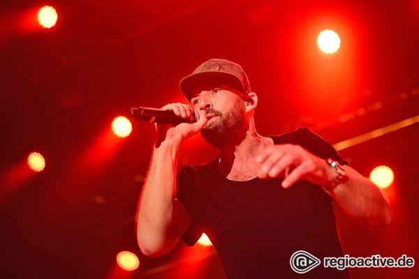 Publikumsnaher Reggae-Star - Zum Wohlfühlen: Live-Bilder von Gentleman beim Zeltfestival Rhein-Neckar