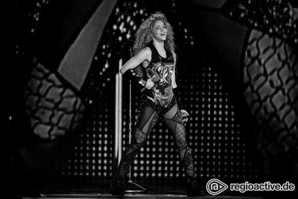 Sexy Wirbelwind - Shakira bezaubert ihre Fans in der Lanxess Arena Köln wie in besten Zeiten