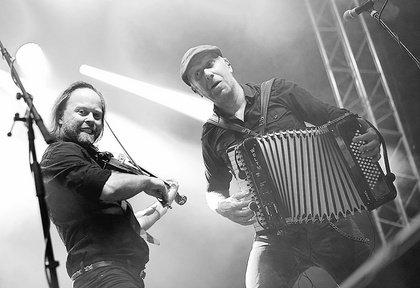Vielseitig - Fiddler's Green verlegen Jubiläumstour auf 2021, 'Pub Crawl' im Winter