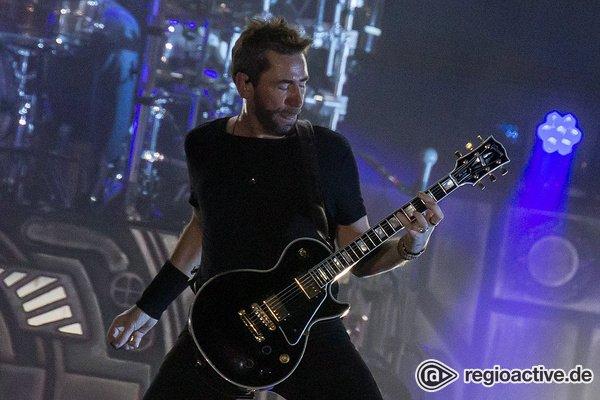 Lieblinge der Kritiker - Nickelback zeigen sich in der Festhalle Frankfurt von zwei Seiten