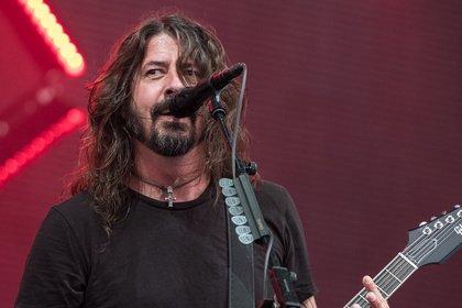 Alle wieder an Deck - Die Größten: Bilder der Foo Fighters live auf der Trabrennbahn Bahrenfeld in Hamburg