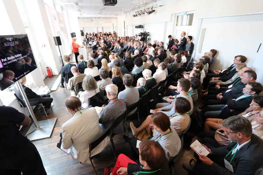 Kulturstaatsministerin Prof. Monika Grütters eröffnete den Musikwirtschaftsgipfel mit ihrer Rede