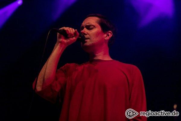Rhye-ght on! - Düster-Soul: Live-Bilder von Rhye live beim Maifeld Derby 2018