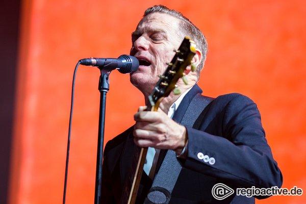 Sympathischer Auftritt - Bryan Adams: Live-Fotos des Kanadiers aus der SAP Arena in Mannheim