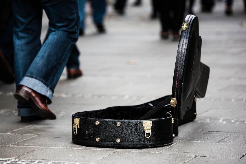 In London kann man ab sofort Straßenmusiker per Kreditkarte bezahlen