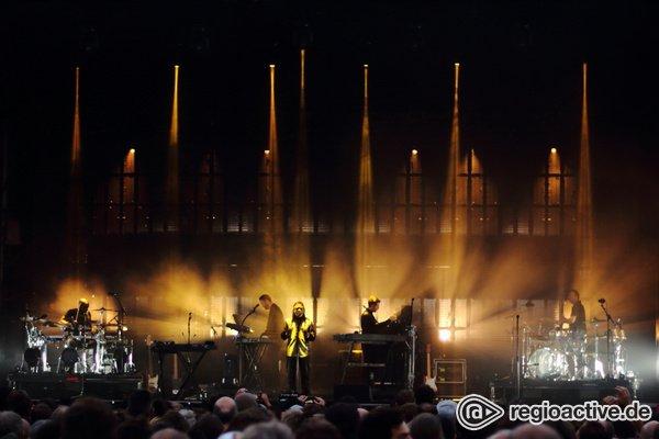 Die dunkle Seite - Schattenmänner: Fotos von Massive Attack live in der Zitadelle Berlin