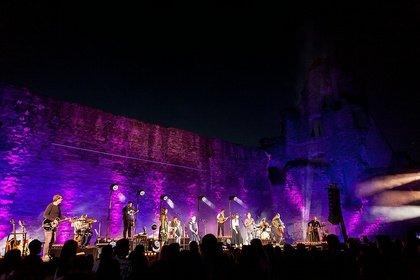 Folk statt Pop - Imposant: Live-Bilder von Angelo Kelly & Family live beim Burgsommer Neuleiningen