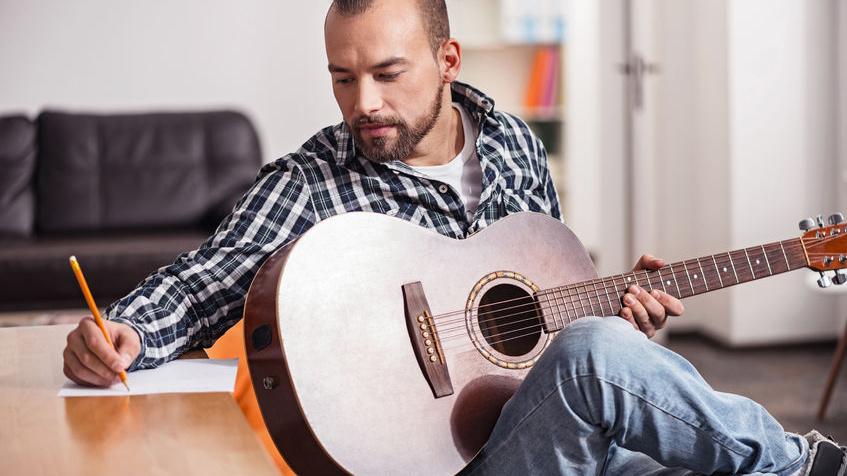 Der Songwriter-Verband VERSO fordert sichere Entlohnung für Songautoren