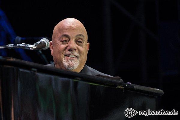 Momente voller Emotionen - Billy Joel begeistert im Hamburger Volksparkstadion Fans jeden Alters