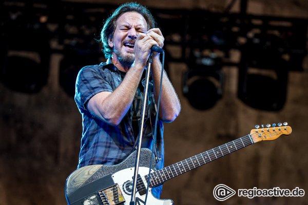 Grunge-Vedderanen - Voller Einsatz: Fotos von Pearl Jam live in der Waldbühne Berlin