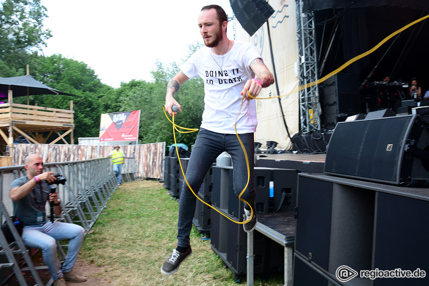 Val Sinestra (live beim Happiness Festival, 2018)