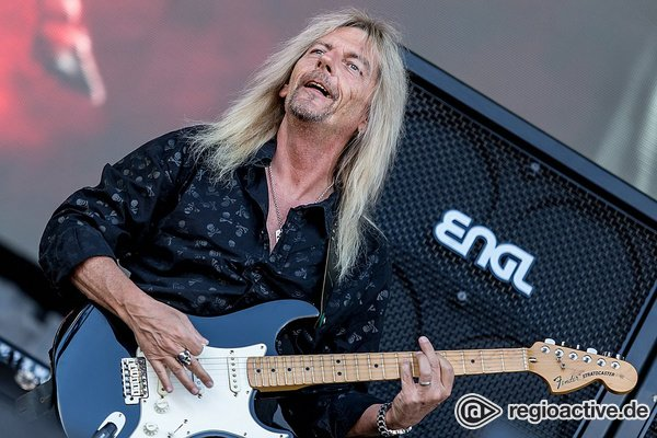 Hard 'n heavy - Bilder von Axel Rudi Pell als Opener von Deep Purple live in Mönchengladbach