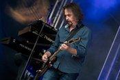 Live-Fotos von Barclay James Harvest feat. Les Holroyd beim Burgsommer Neuleinigen