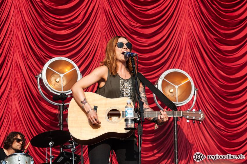Amy MacDonald (live beim Deichbrand Festival 2018)