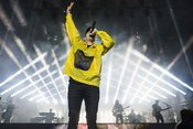 Mit Sprungkraft: Live-Bilder von Casper beim Deichbrand Festival 2018