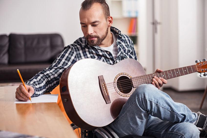 """""""Kämpfen um jeden Ton"""": Die etwas anderen 10 Songwriting-Tipps"""