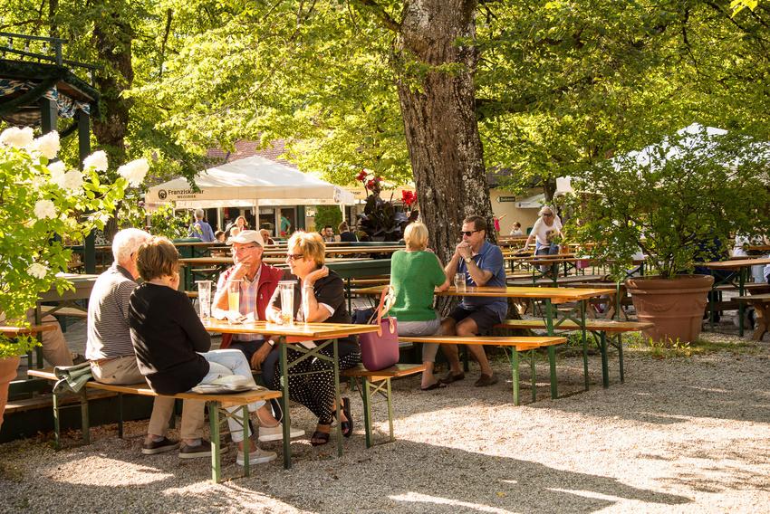 Biergarten Köln Rhein