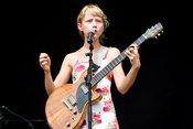 Alice Phoebe Lou: Live-Bilder der Sängerin beim Heimspiel Knyphausen 2018