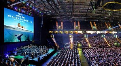 Eintauchen in unsere Welt - Unser blauer Planet II – live in Concert bietet Tauchgang mit Paukenschlag