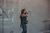 Beweglich: Live-Bilder von Amorphis beim Wacken Open Air 2018