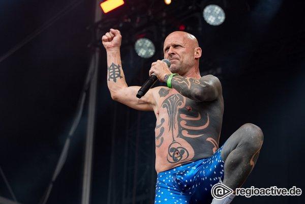 Ganz schön knorke - Crazy: Live-Bilder von Knorkator beim Wacken Open Air 2018