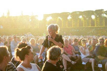 Frei Schnauze - Volksnah: Fotos von Ina Müller live bei Musik in Park in Schwetzingen