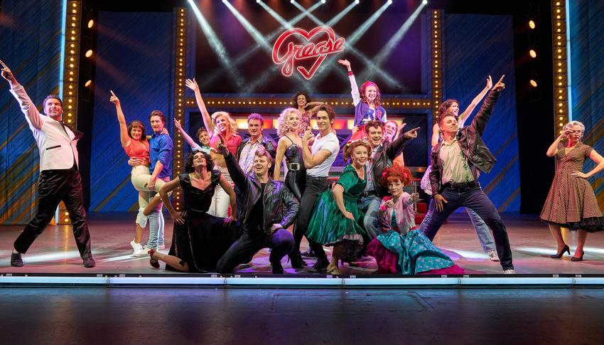 Röhrenjeans und Petticoats - Jubiläum: Grease - Das Musical geht ab September auf Deutschlandtour
