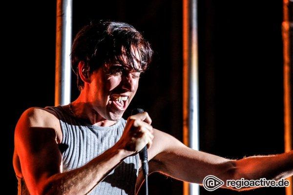 Hinter Gittern - Heiße Show: Live-Bilder von Bilderbuch auf dem Highfield Festival 2018