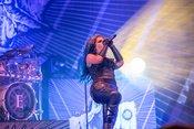 Pompös: Bilder von Arch Enemy live beim Summer Breeze 2018