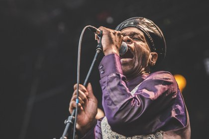Tanzschuhe ausgepackt - UK-Ska: Fotos von The Selecter live beim City Riot Fest 2018 in Wiesbaden