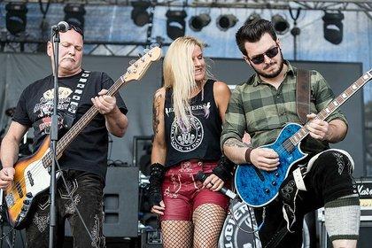 AC/DC auf deutsch - Eingesprungen: Fotos von Edelweiss bei Rock im Hinterland 2018