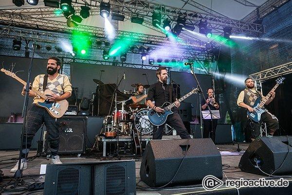 Weltlich - Vielfältig: Live-Bilder von Gasmac Gilmore bei Rock im Hinterland 2018