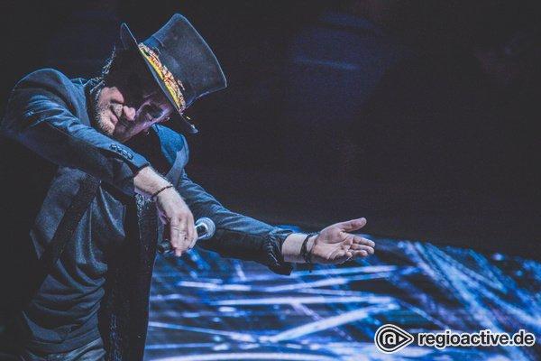 Vox pro Bono - U2 fehlt in der Lanxess Arena Köln die Orientierung