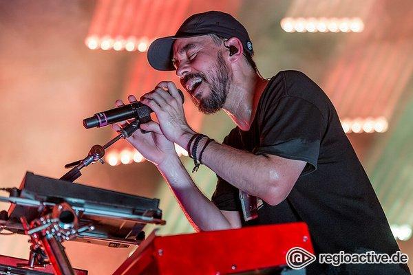 Nach dem Schock - Mike Shinoda: Fotos des Linkin Park-Rappers live in der Stadthalle Offenbach