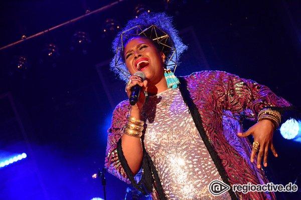 Pure Stimmgewalt - Soulstuff: Bilder von Deva Mahal beim SWR3 New Pop Festival 2018