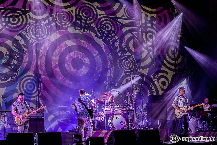 Nick Mason's Saucerful Of Secrets (live in Stuttgart 2018)
