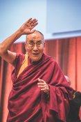 Der Dalai Lama in Darmstadt: Bilder des Gesprächs mit Friedensnobelpreisträgern