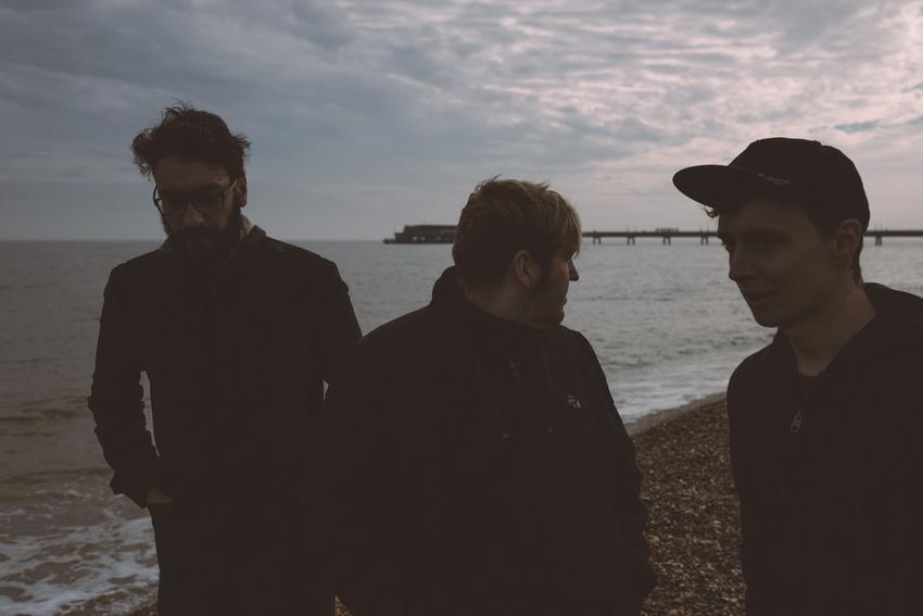 Backstage PRO präsentiert Cedric und Spiral Drive im Soundcheck-Magazin