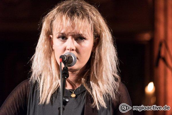 Markanter Gesang - Kratzig: Bilder von Lion live beim Reeperbahn Festival 2018
