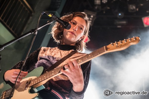 Feinster Pop aus New York - King Princess: Bilder der Multi-Instrumentalistin live beim Reeperbahn Festival 2018