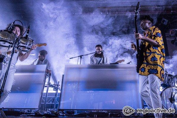 Disco wie im Sommer '08 - Groovy: Live-Bilder von Metronomy beim Reeperbahn Festival 2018