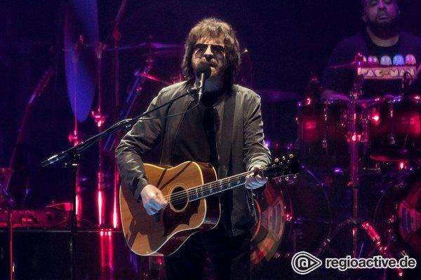 Die fulminante Rückkehr des orchestralen Rock'n'Roll - Jeff Lynne's ELO holt die 1970er zurück in die SAP Arena Mannheim