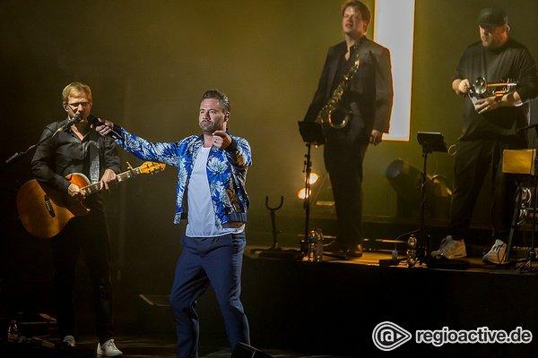 Neue Wege - Sasha: Bilder des Sängers live in der Jahrhunderthalle Frankfurt