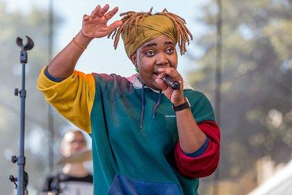 Afro-Fusion - Lebensfroh: Bilder von Yvonne Mwale live beim Altstadtfest Frankfurt