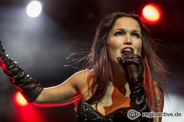 Erste Show der Tour - Sinfonisch: Fotos von Tarja live in der Batschkapp Frankfurt