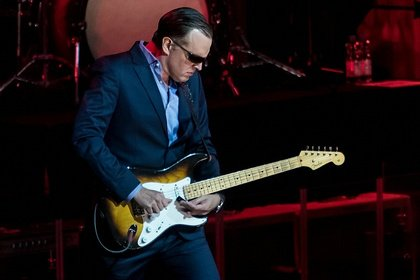 Gitarreneleganz - Cool Blues: Live-Fotos von Joe Bonamassa in der SAP Arena Mannheim