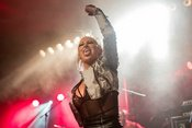 Female Metal Voices Tour 2018: Fotos der Butcher Babies live in Mannheim