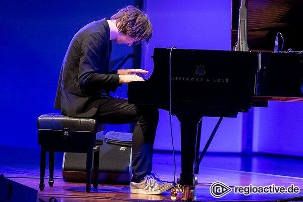 Meisterlich - Michael Wollny zeigt bei Enjoy Jazz 2018 in Ludwigshafen die Vielseitigkeit des Klavier-Trios