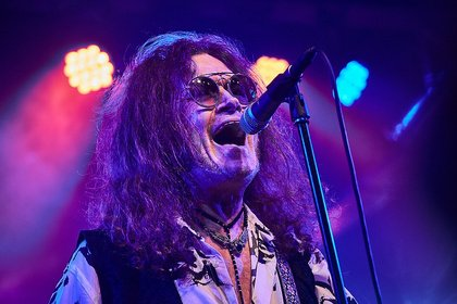The voice of rock - Live-Fotos von Glenn Hughes im Musiktheater REX in Bensheim
